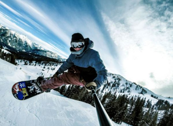 Best action cameras for skiing and snowboarding_1