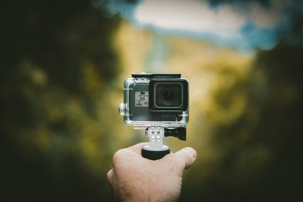 how to choose the best action camera_